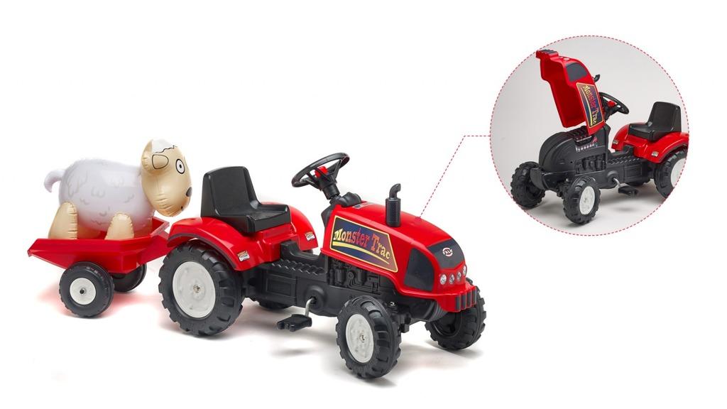 Traktor červený Trac s valníkem a ovečkou