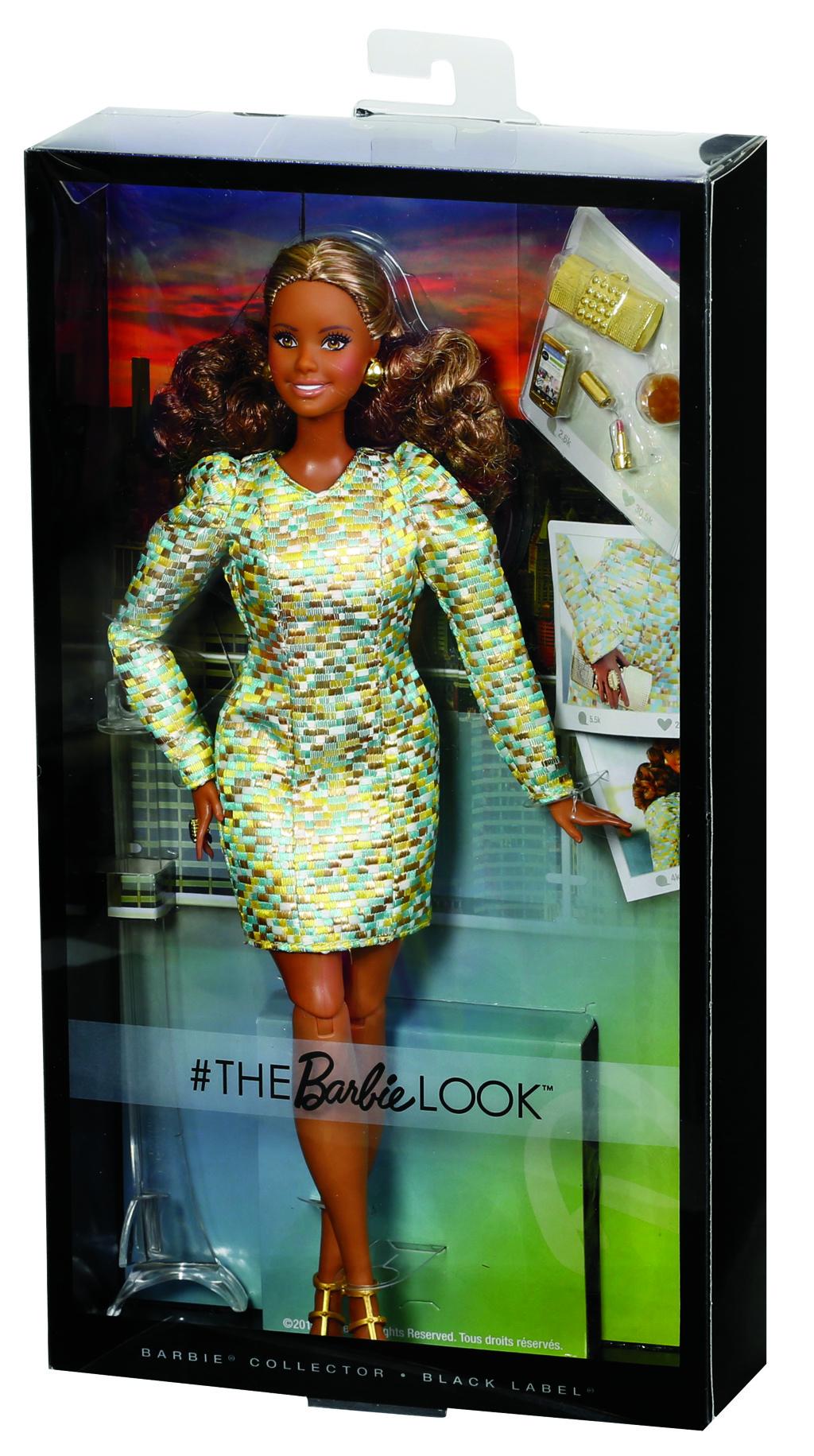 Barbie ve volných šatech