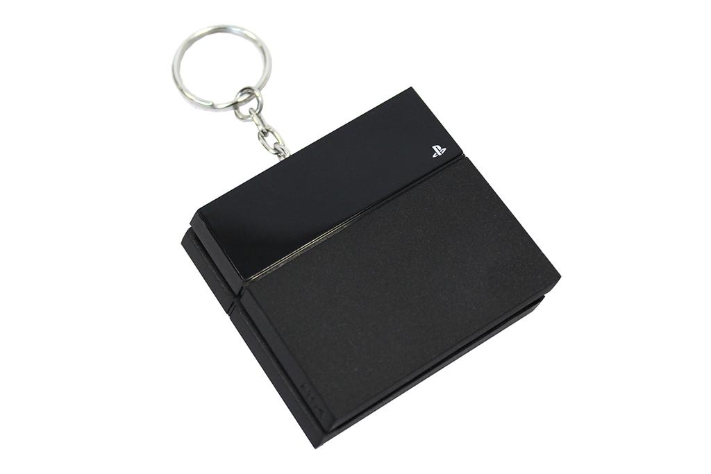 Klíčenka: PlayStation 4 konzole