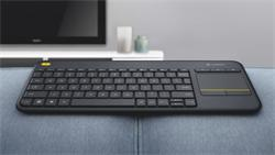 Logitech® Wireless Touch Keyboard K400 Plus - EMEA - Czech layout - Black