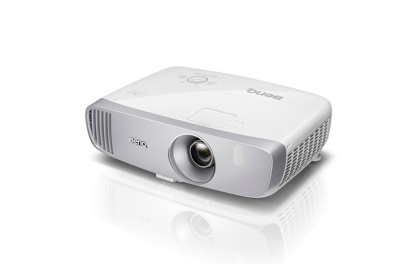 BenQ DLP Projektor W1110s 3D/1920x1080 Full HD/2200 ANSI lm/15000:1/D-SUB/2xHDMI/10W Repro/Football mode