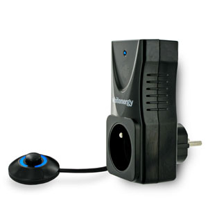Whitenergy AC zásuvka s nožním spínačem, černá