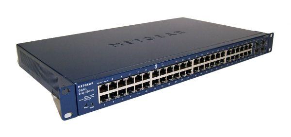 Netgear 48xGbE, 4xSFP shared, SMART SWITCH, static routing, IPv6, LAGs