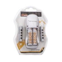 Whitenergy nabíječka pro 4 baterie AA/AAA + 4xAA/R6 2800mAh - blister