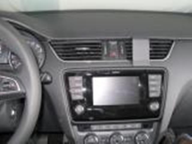 Brodit ProClip montážní konzole pro Škoda Octavia III 2013 a novější - střed