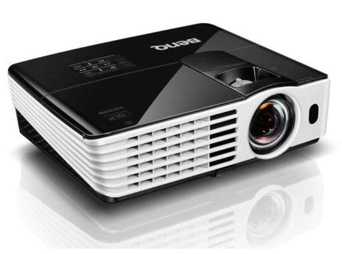 Projektor BenQ TH682ST, DLP, Full HD 1080 p, 3000 ANSI, 10.000:1