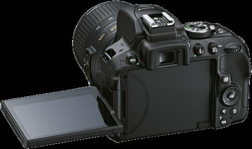 Zrcadlovka Nikon D5300 černá + AF-S DX 18-55 VR
