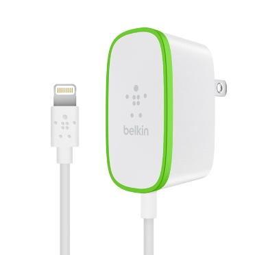 Belkin USB 230V nabíječka, 5V/2.4A, 12W vč. Lightning kabelu, bílá