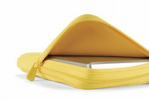 Dicota PerfectSkin 15,4'' Yellow