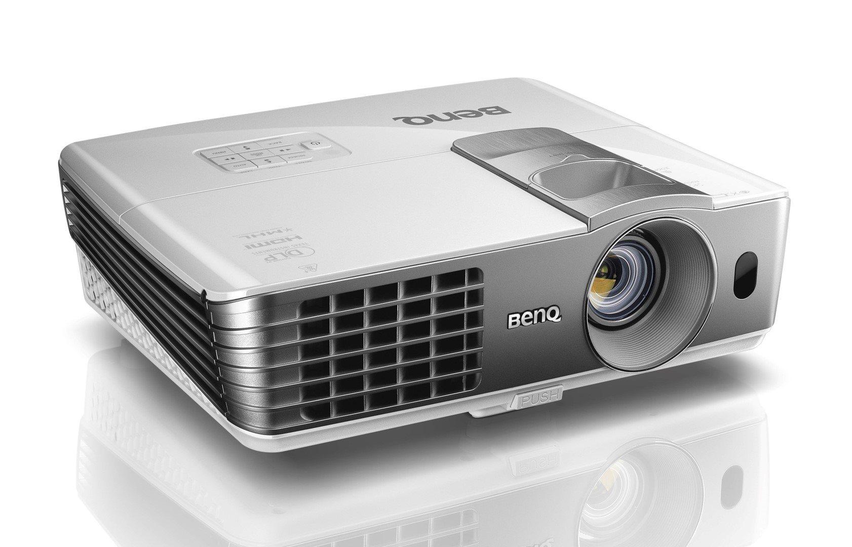 BenQ DLP Projektor W1070+/1080p/2200ANSI/10 000:1/2xHDMI/3D/1x10W repro