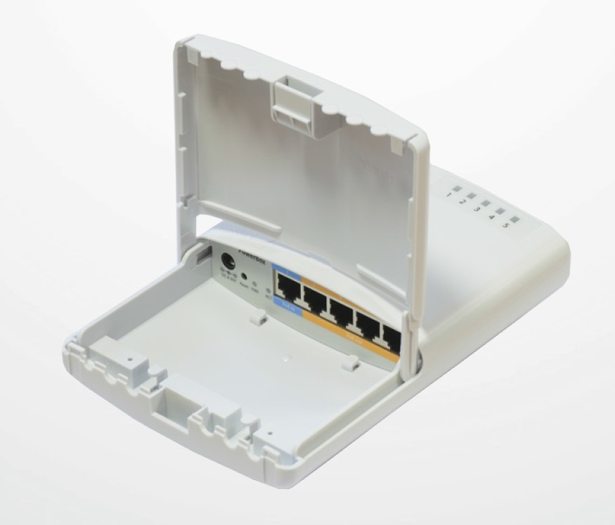MikroTik RouterBOARD PowerBox, 650MHz CPU, 64MB RAM, 5x LAN, PoE IN/OUT, vč. L4 licence