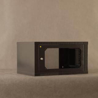 Závěsný datový rozvaděč 19'' Netrack 6U/400mm, skleněné dveře, barva grafit