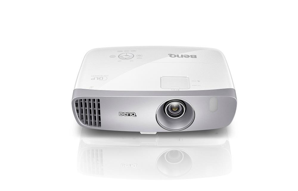 BenQ DLP Projektor W1110 3D/1920x1080 Full HD/2200 ANSI lm/15000:1/D-SUB/2xHDMI/10W Repro