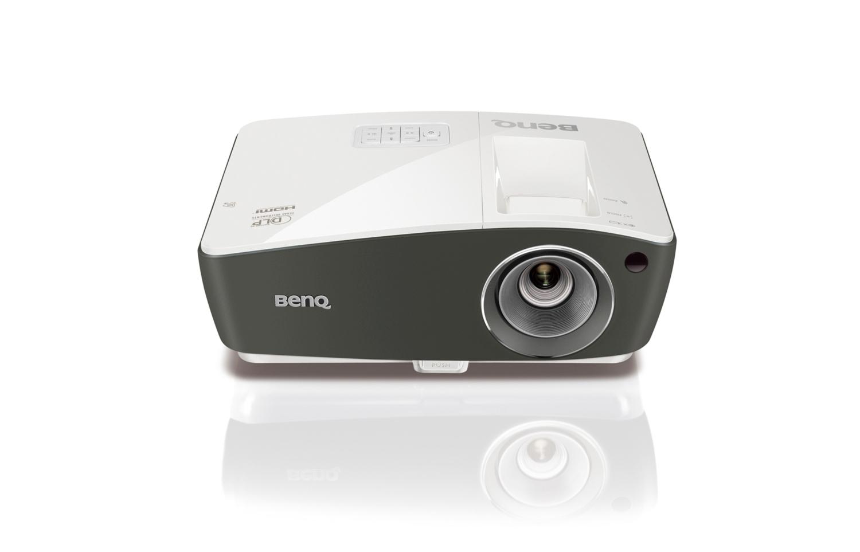 BenQ DLP Projektor TH670/1080p 1920x1080/3000 ANSI lm/10 000:1/2xD-Sub/HDMI/2xUSB/1x10W