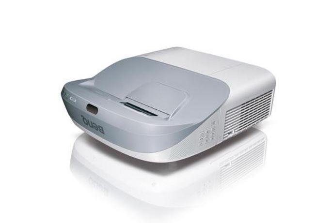 DLP proj.BenQ MW883UST-3000lm,XGA,HDMI,LANc,UST