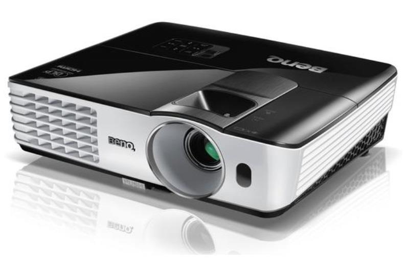 Projector BenQ TH681+ ; DLP, Full HD 1080 p, 3200 ANSI, 12.000:1