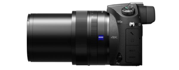 SONY RX10 II Digitální fotoaparát s objektivem Carl Zeiss® s rozsahem 24–200 mm